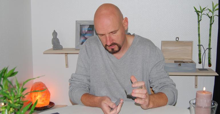 Consulter Stéphane voyant et cartomancien